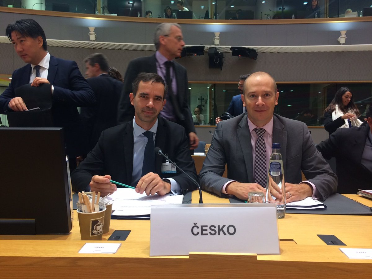 Transport ministers in Brussels addressed the issue of reducing greenhouse gas emissions in transpor