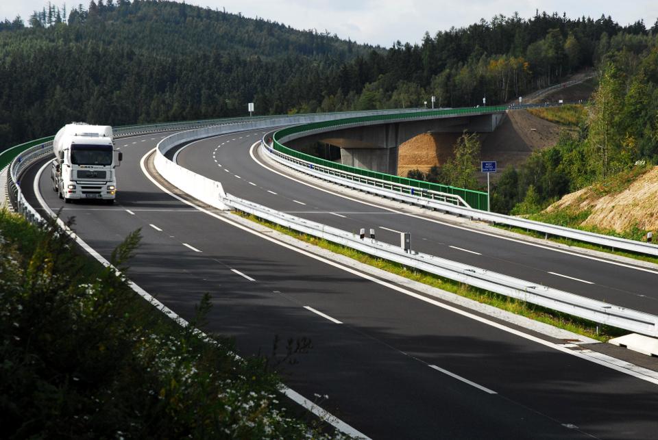 Novela o liniových stavbách zrychlí pomalou přípravu a výstavbu nových dálnic