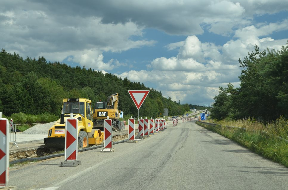 Construction preparation of new motorways towards Austria, Poland and Olomouc is in full swing