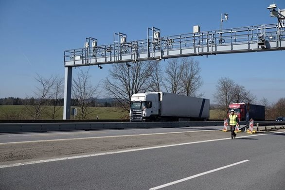 CzechToll has successfully completed first tests of the new toll system and transportation companies